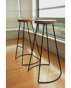 كرسي بار(هيكل حديد مدهون دهانات الكتروستاتيك و القرصه خشب طبيعي) - c101